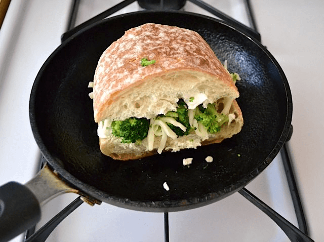 Broccoli Spring Onions Grilled Sandwich